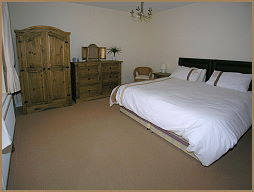 bedroom of the self catering apartment nr betws-y-coed